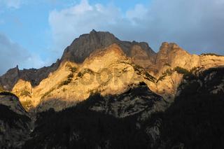 Calanda leuchtend im Abendlicht, SG/GR Schweiz