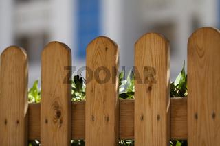 Holzzaun geschraubt