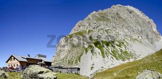 Obstanserseehütte mit Rosskopf