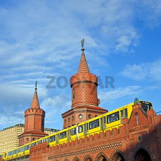 berlin oberbaumbruecke summer