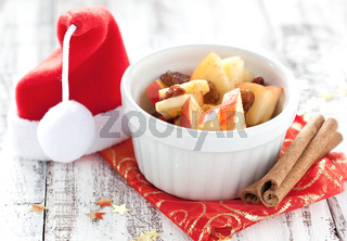 Weihnachtsdessert mit Rosinen