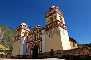 HUAYTARA  Peru  - Kirche