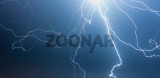 Blitze/Gewitter bei Nacht, Thunderstorm at Night