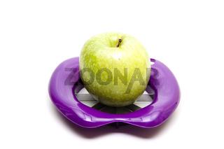 Apfel mit Apfelschneider