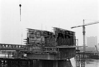 Neubau der Reichsbrücke über die Donau