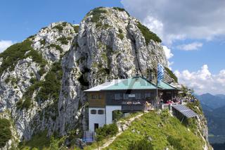 Tegernseer Hütte auf den Bergen
