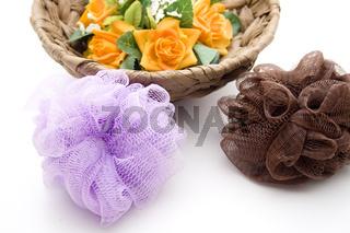 Massageschwamm mit Blumenschmuck