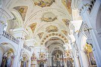 Pfarrkirche_St_Peter_02