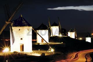 Spanien, La Mancha: Windmühlen von Consuegra
