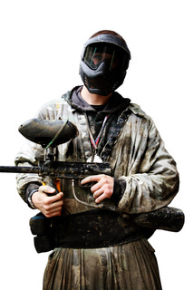 Ein gefährlicher Mann mit Gewehr in der Hand