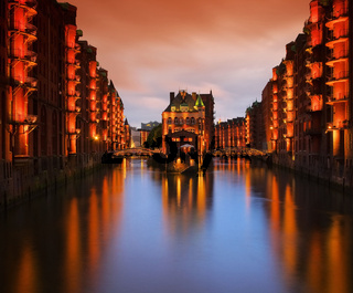 Hamburg Speicherstadt Wasserschloss Nacht - Hamburg city of warehouses palace at night 05