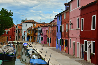 Gasse auf der Insel Burano - Italien