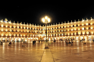 Spanien: Plaza Mayor in Salamanca bei Nacht