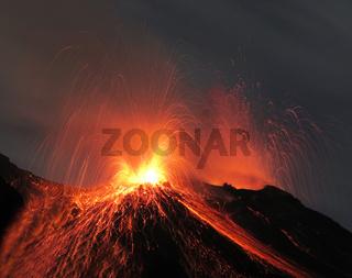 Vulkanausbruch Vulkan Stromboli Nachtaufnahme