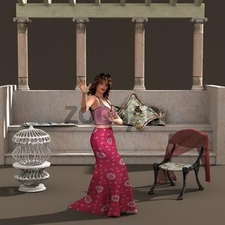 Frau im Patio mit Sitzplatz, Stuhl, Vogelkäfig, Dekoration