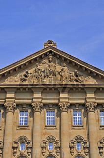 Justitia ohne Augenbinde, Oberlandesgericht und Sitz der General-Staatsanwaltschaft, Reichensperger Platz, Köln, Nordrhein-Westfalen, Deutschland, Europa