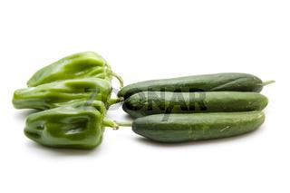Frische Gurken und Paprika