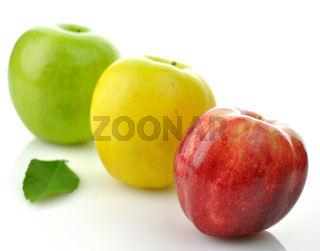 green, red and yellow apples