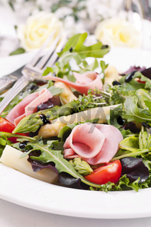 Rocket Salad with boiled ham and asparagus tips
