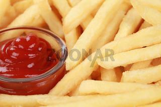 Pommes und Ketchup