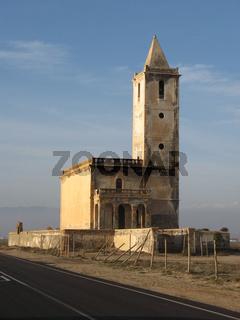 Verfallene Kirche von La Almadraba in Südspanien