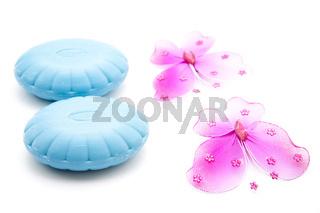 Blaue Seife und Schmetterlinge