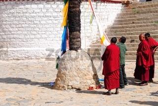Zeremoniell im Kloster Drepung Lhasa Tibet