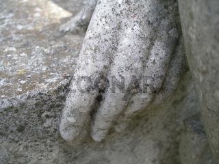 Hand aus Stein