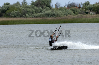 Kitesurfer auf dem Etang du Beauduc