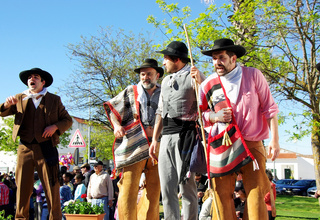 Parade of traditional suits, Serpa village.