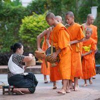 Reisübergabe am Morgen in Luang Prabang