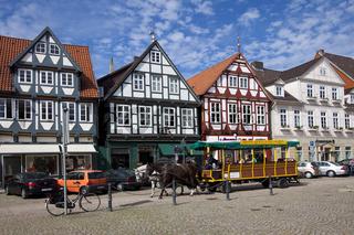 Celle mit Fachwerkhäuser und Planwagen