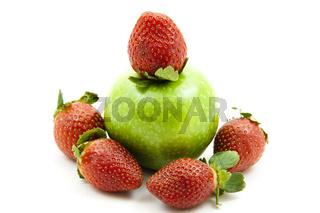Erdbeeren mit Apfel