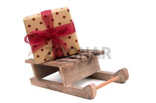Geschenk auf Schlitten