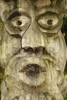 Holzskulptur auf dem Hexenberg in Juodkrante