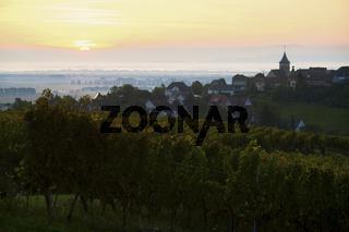 Sonnenaufgang ueber Zellenberg, Elsass, France