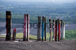 Totems auf der Halde Haniel, Bottrop, Deutschland