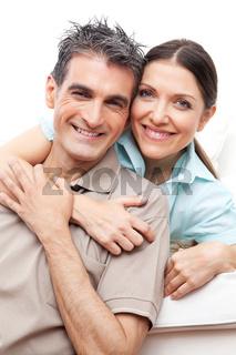 Älteres Paar lacht zusammen