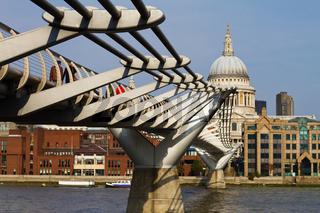 Millennium Brücke in London