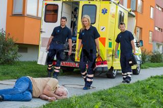Paramedics arriving to unconscious man