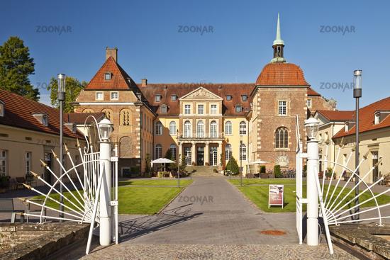 BOR_Velen_Schloss_12.tif