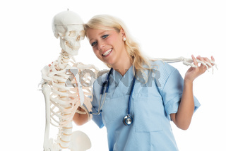 krankenschwester mit skelett