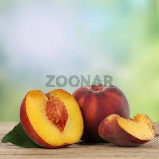 Gesunde Pfirsiche Früchte mit Textfreiraum