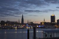 Hamburger Hafenszene, Speicherstadt, Nachtaufnahme, Deutschland