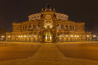 Semperoper, Theaterplatz, Dresden, Sachsen, Deutschland