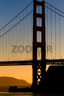 Vertical Image of the Golden Gate Bridge