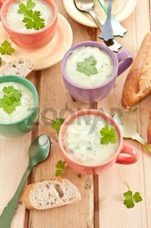 Hausgemachte Broccolicremesuppe