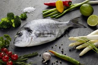 Brasse mit Gemüse