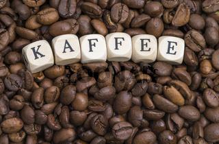 Buchstaben mit Kaffeebohnen