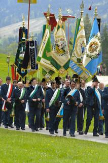 Katholische Prozession in Tracht in Bayern